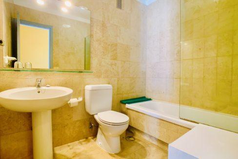 Westhaven Bay bathroom