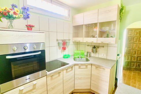 Island Village Heights kitchen 1