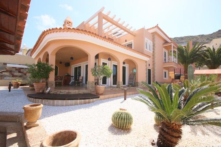 Villa Arcos – Torviscas Alto – Ref: 5V0643