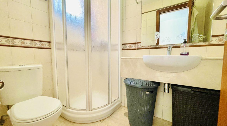 los girasoles bathroom 1