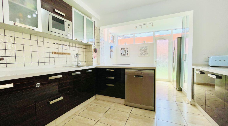 los girasoles kitchen