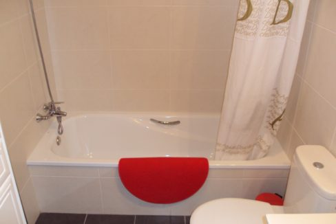 paloma beach bathroom 1_18.607807