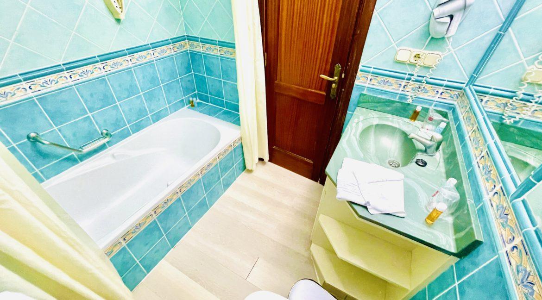 paradise court bathroom 1