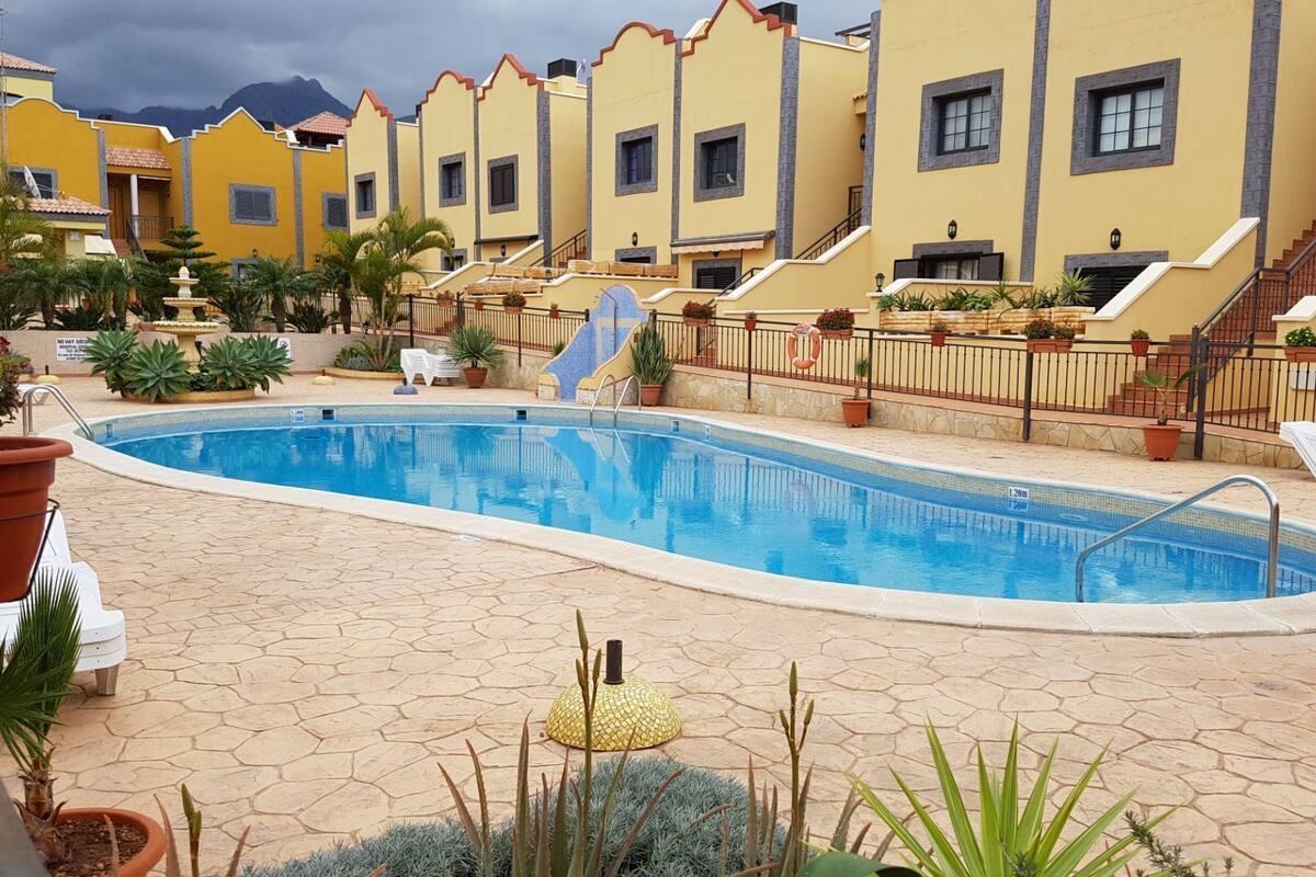 Residencial Anayet  –  Bahía del Duque  –  Ref: 5RA9108