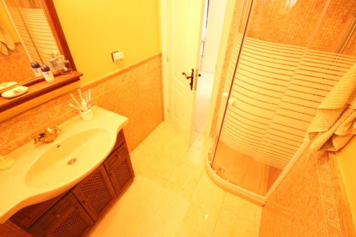 villa arcos bathroom