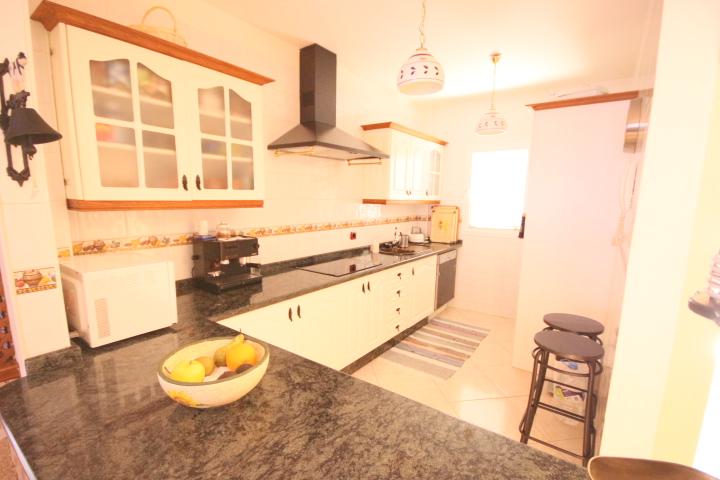 villa arcos kitchen 1