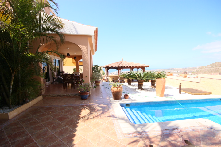 villa arcos pool 1