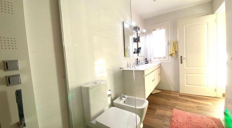 villa mart bathroom 2