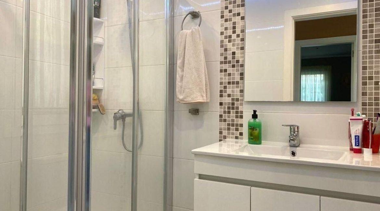 villa mart bathroom 4