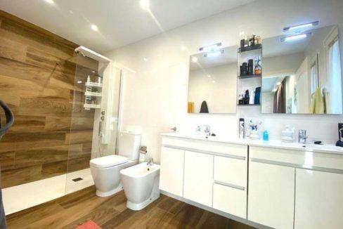villa mart bathroom