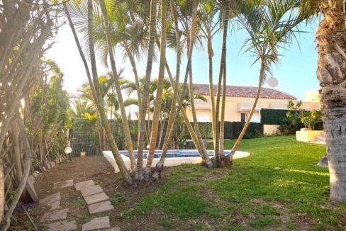 villa mart garden 8