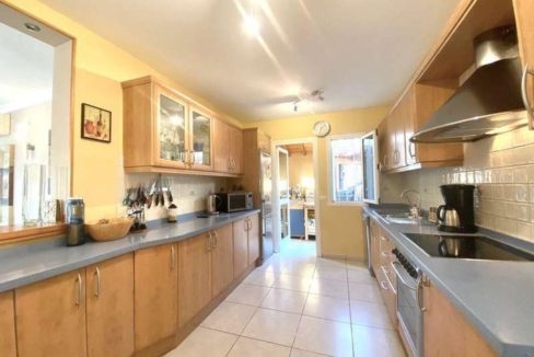 villa mart kitchen