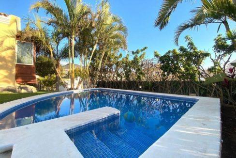 villa mart pool