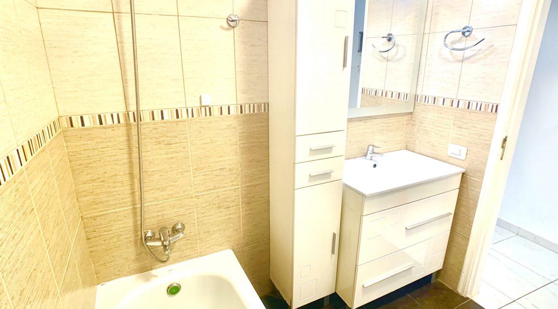 los geranios bathroom 3