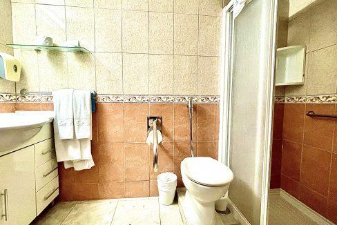 santa maria bathroom