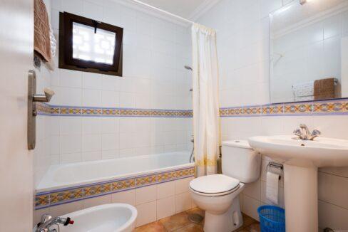 sunset bay club bathroom 2_2.424198